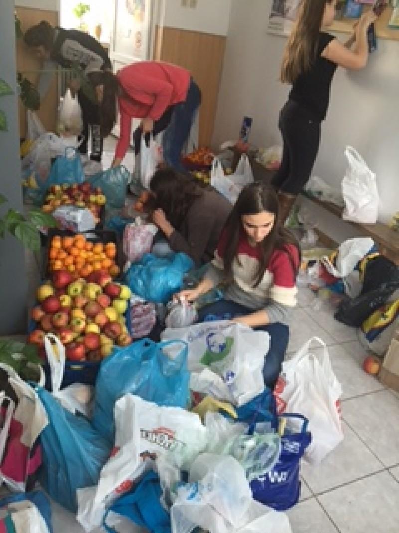 Un gest de suflet al elevilor botoșăneni în Săptămâna legumelor și fructelor donate!