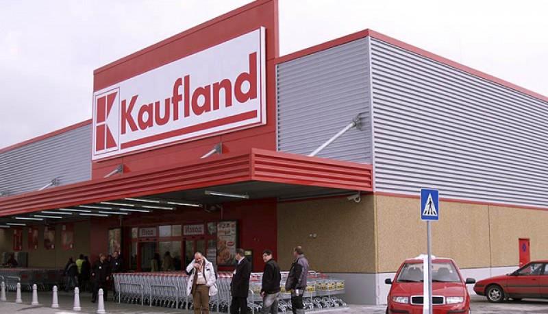 Un lanţ de magazine face angajări la Botoșani. Venitul brut minim lunar în companie este de 3.650 lei
