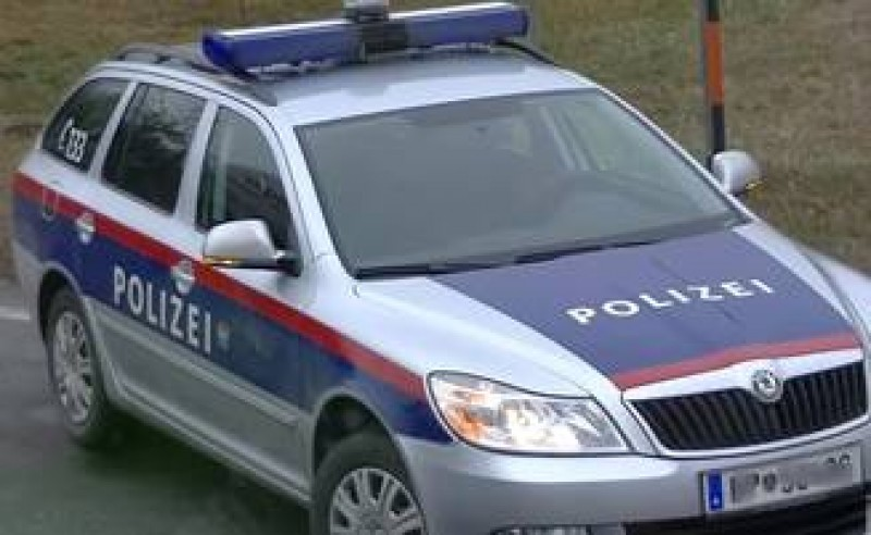 Un microbuz cu romani a fost implicat intr-un accident in Austria