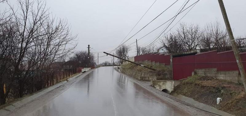 Un nou bilanț al dezastrului creat de vijelii, în Botoșani: 13 apeluri la 112, în numai cinci ore