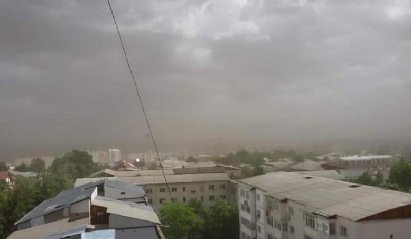 Un nou val de praf saharian vine peste Botoșani