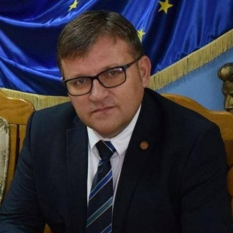 Un parlamentar botoşănean reacţionează după demonstraţiile din ţară
