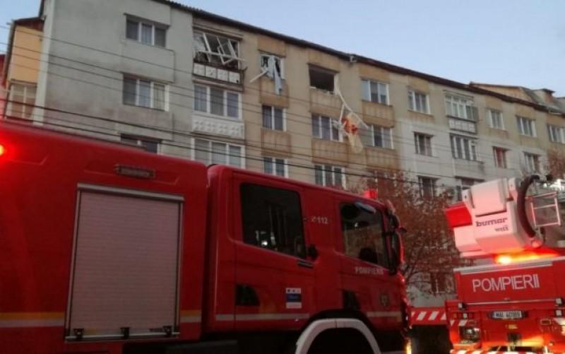 Un pompier din Bistrita a sarit de la etaj si si-a aruncat casa in aer din razbunare