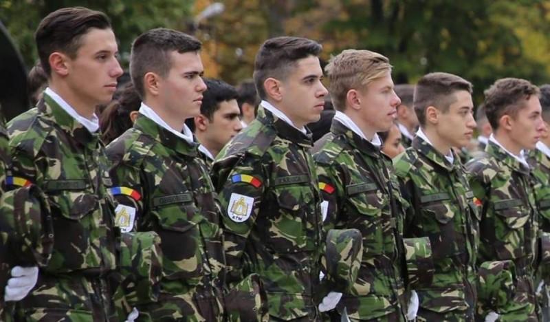 Un proiect PSD-ALDE propune creşterea cu cinci ani a vârstei de pensionare a militarilor