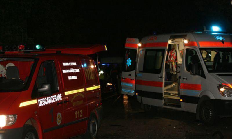 Un tânăr a paralizat de la jumătate după un accident petrecut noaptea trecută. A fost transportat în stare gravă la Iași
