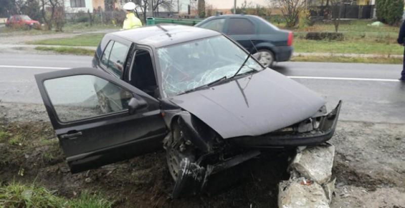 Un tânăr beat fără carnet a făcut un accident cu două victime și a fugit de la fața locului!