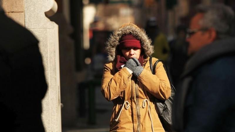 Un val de aer polar lovește România. Unde se anunță ninsori și cât vor scădea temperaturile