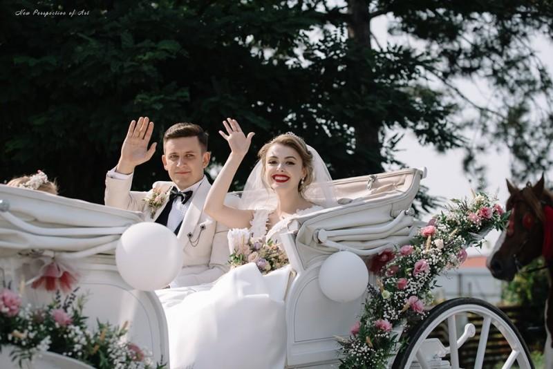 """Una dintre """"Fetele din Botoșani"""" s-a măritat!"""