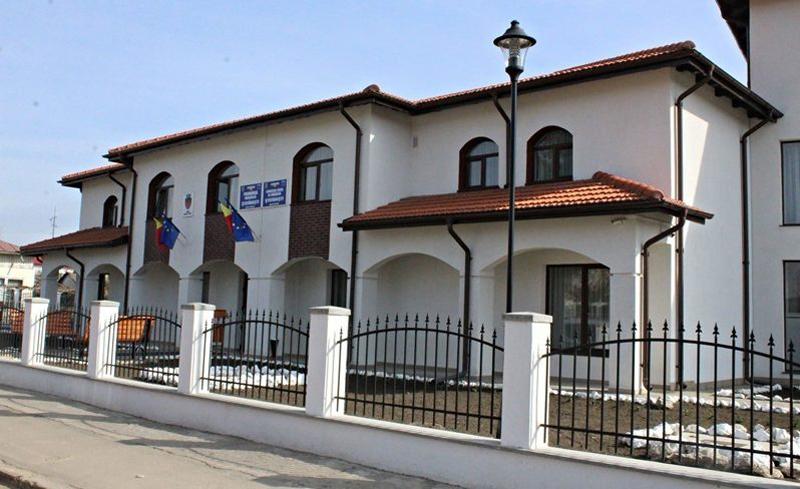 Lucrările la Unitatea medico-socială de la Ștefănești, tot mai aproape de finalizare