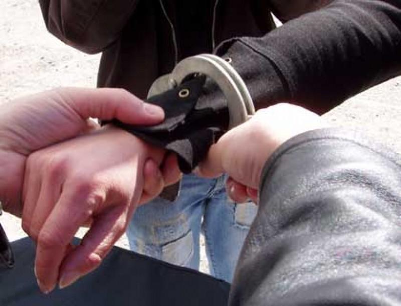 Urmărit național după o condamnare pentru infracțiuni economice, prins de polițiștii din Botoșani!