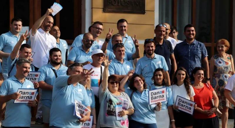 USR Botoşani: Vom vota Klaus Iohannis la preşedinţia României!