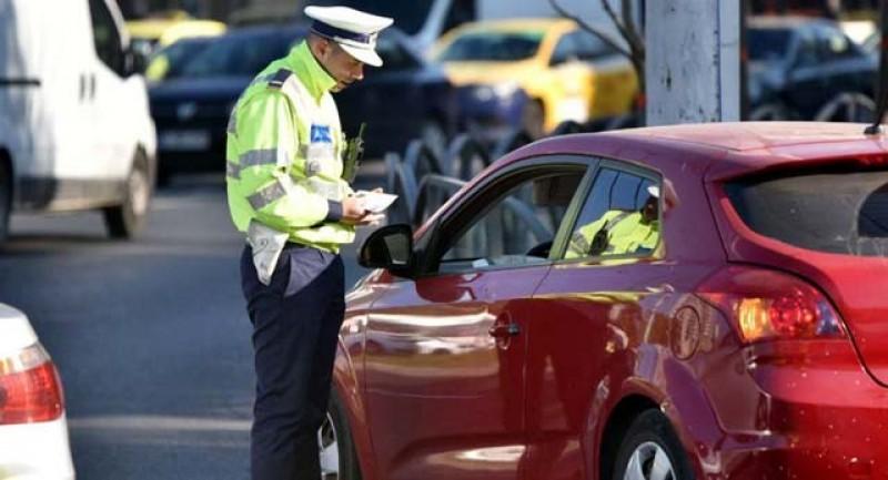 Vă puteți transporta cu mașina partenerul la serviciu doar dacă nu există mijloace de transport în comun sau dacă riscul expunerii la infectare Covid este mare