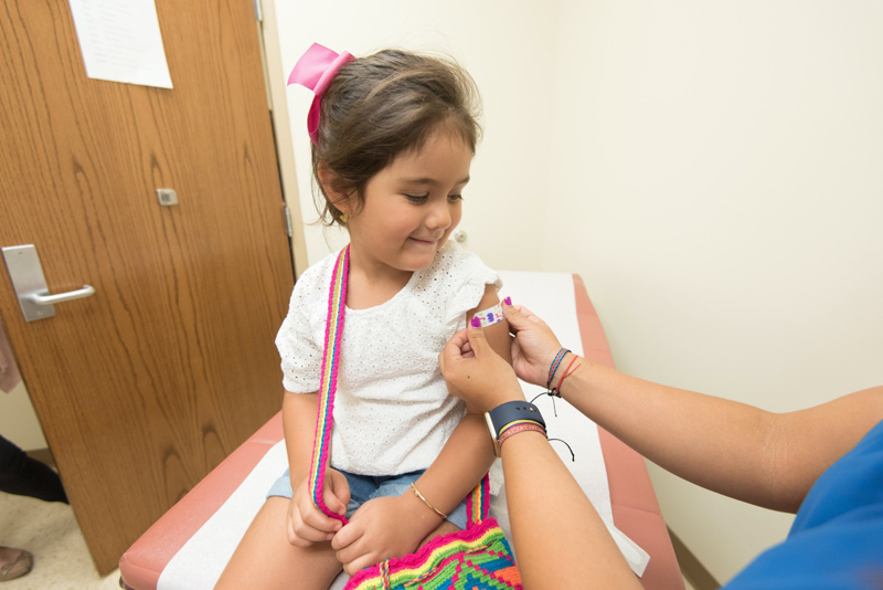 Vaccinul Pfizer pentru copiii cu vârste între 5 și 11 ani, la un pas de aprobare. Cât de sigur este și când va fi administrat în România