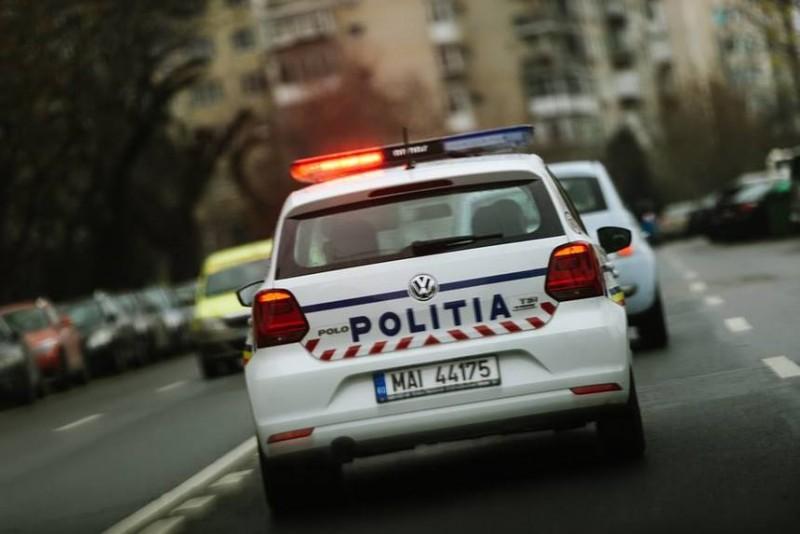 Val de infracțiuni semnalate de polițiștii ieșeni. Unei botoșăneance de 25 de ani i s-a retinut permisul