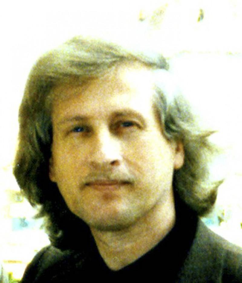 VALERIAN TOPA - Artistul si trecerea sa prin lume ca prin sine insusi