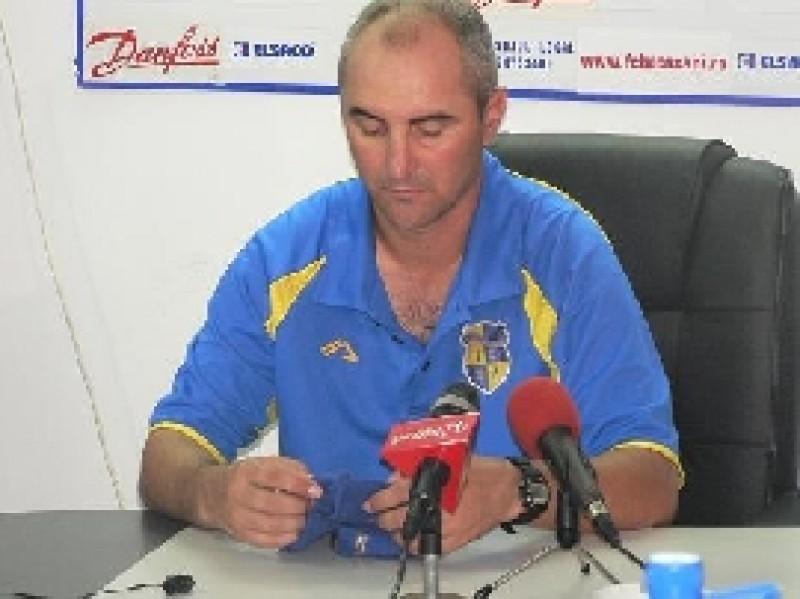 Valeriu Răchită, antrenor principal CSM Ploieşti: Aşa arbitraj golănesc nu am mai văzut de mult