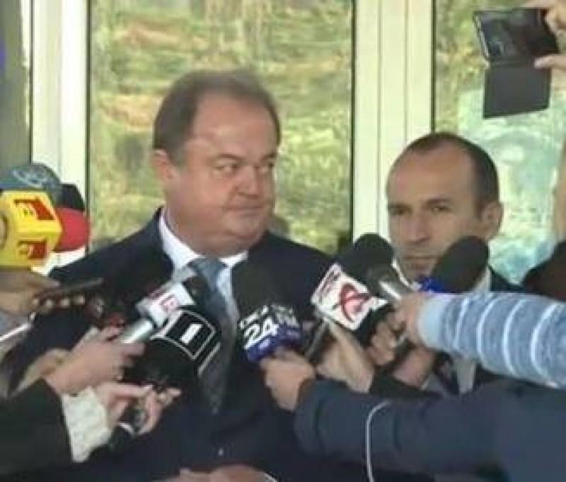 Vasile Blaga demisioneaza de la sefia PNL, dupa ce a aflat ca e urmarit penal de DNA