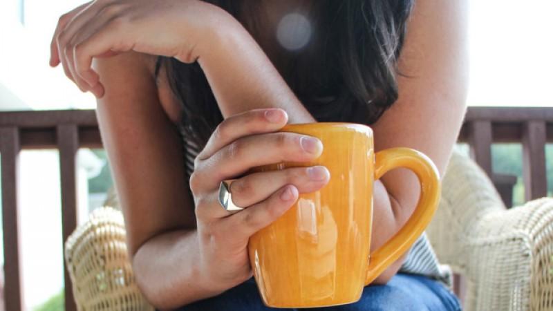 VERSURI DIN STRADĂ: Cu viața la o cafea