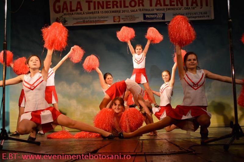 VEZI premiile si trofeul festivalului Gala Tinerilor Talentati, editia I