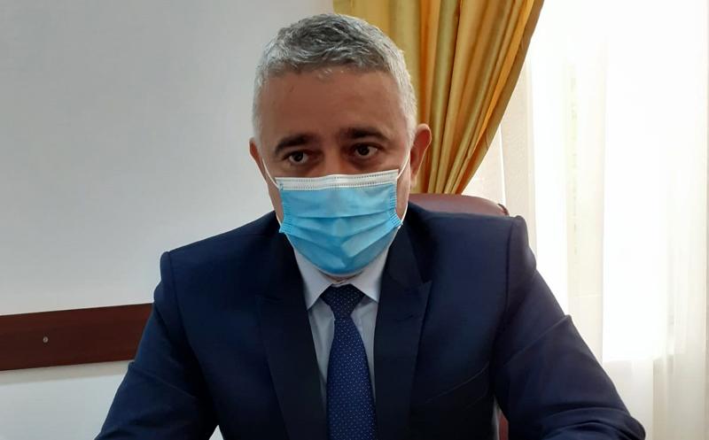 Vicele Liviu Toma cere ca ședințele de Consiliu Local să fie cu prezență fizică