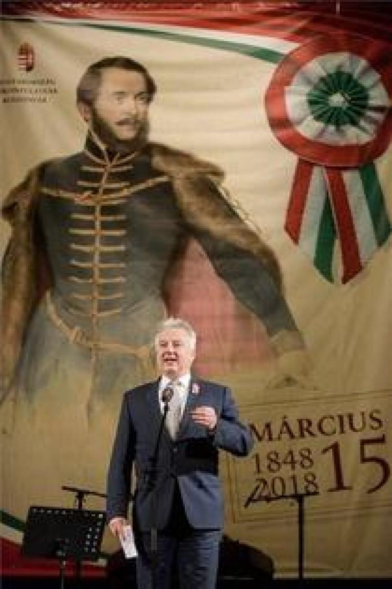 """Vicepremierul Ungariei, la Băile Tușnad: """"Când se sărbătoreşte Centenarul, atât doar vă rog frumos să faceţi, să recitiţi declaraţia de la Alba Iulia. Aţi promis autonomie"""""""