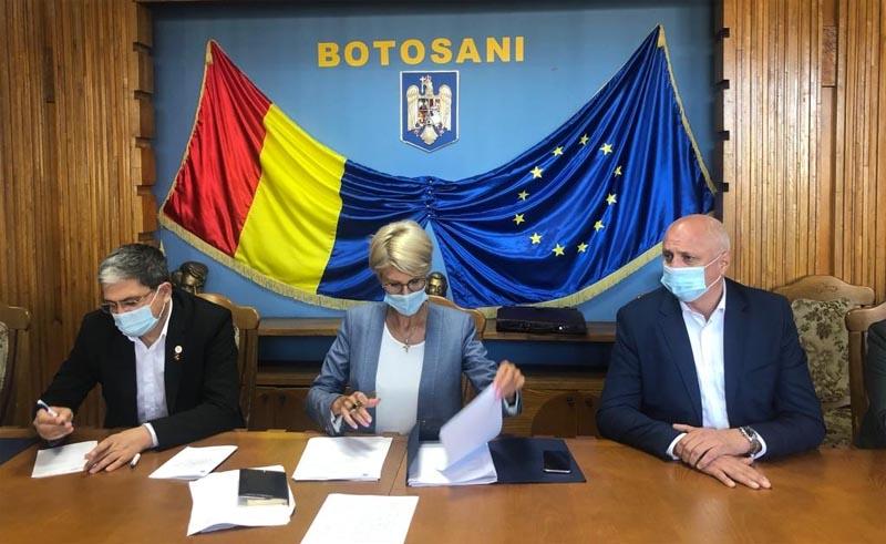Viceprim-ministrul Raluca Turcan și ministrul fondurilor europene, Marcel Boloș, au ajuns la Botoșani