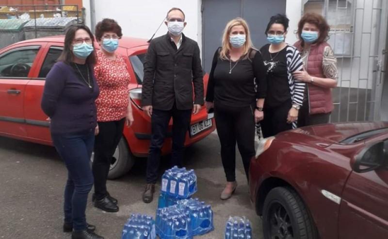 Viceprimarul Cosmin Andrei, lăsat să distribuie pe jos dezinfectanții către asociațiile de proprietari