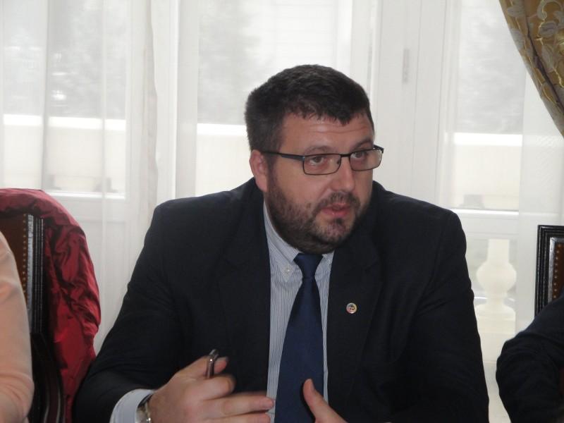 """Viceprimarul Țurcanu: """"Stau cu geanta la ușă ca femeile însărcinate"""""""