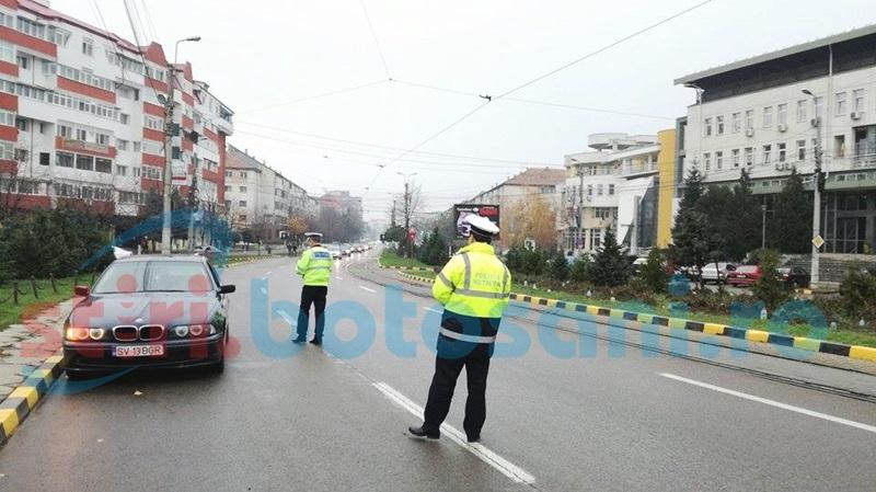 """Victimele accidentelor rutiere, comemorate la Botoşani. """"Nu trece dincolo, alege viaţa!"""" FOTO"""