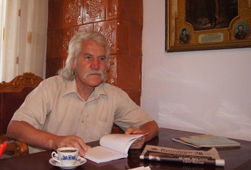 """Victor Teisanu: """"Sarbatorile mele au fost lansarile de carte"""""""