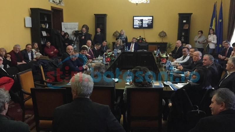 (Foto-Video) ACUM: Ședință festivă a Consiliului Local, pe versurile lui Eminescu. Se votează acordarea titlului de Cetățean de Onoare scriitorului Liviu Stoiciu