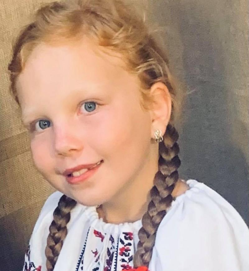 (Video) Anya Maria, micuța botoșăneancă îndrăgostită de folclorul românesc