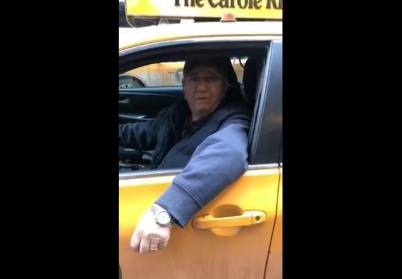 VIDEO Ce muzică răsună dintr-un taxi din New York!