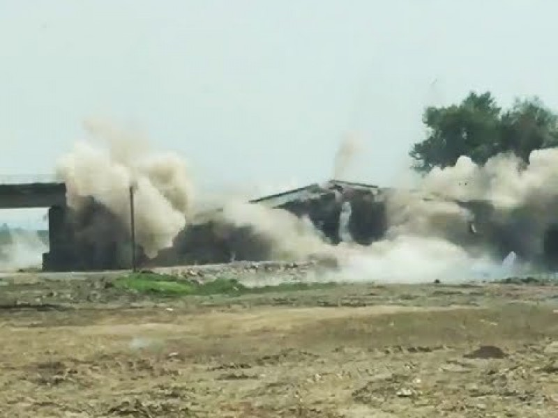 Video: Cum dispare un pod afectat de inundații!