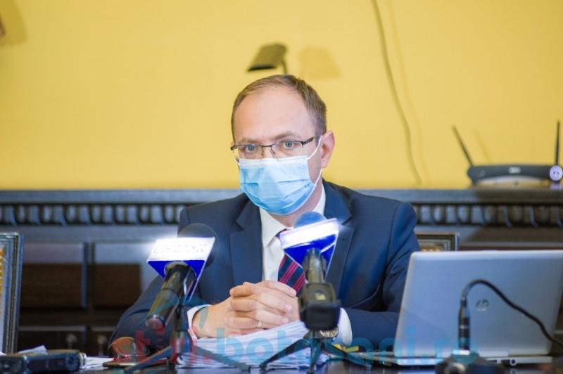 """VIDEO: Declarație controversată a primarului municipiului Botoșani în plină campanie de vaccinare. """"M-am săturat de mască"""""""