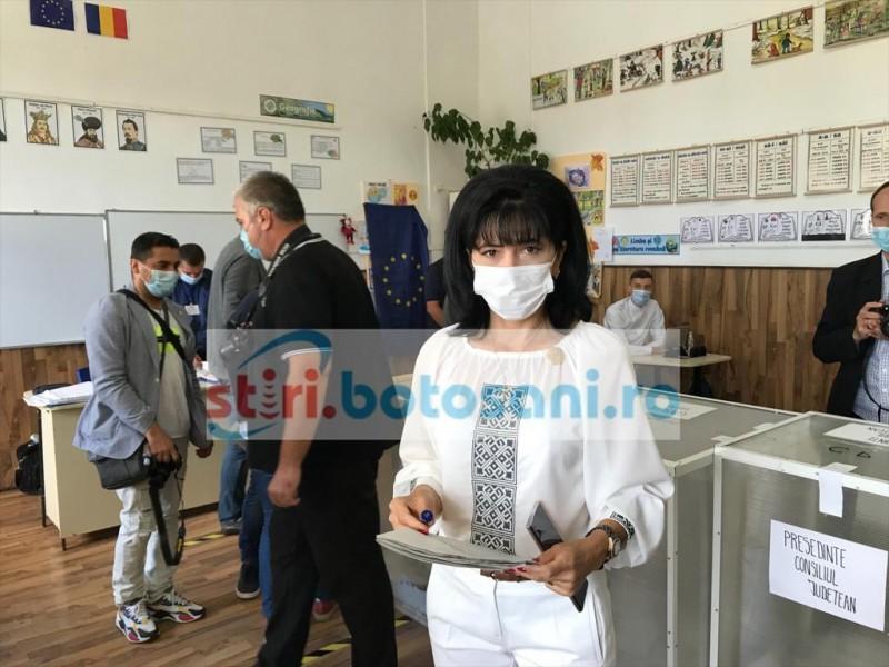 """VIDEO: Doina Federovici invită botoșănenii la vot. """"Este o zi importantă pentru mine și pentru partidul pe care îl conduc"""""""