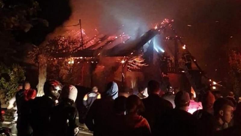 Video: Dramă la Suceava. Doi soţi au murit arşi în propria locuinţă. Au fost găsiți carbonizați!