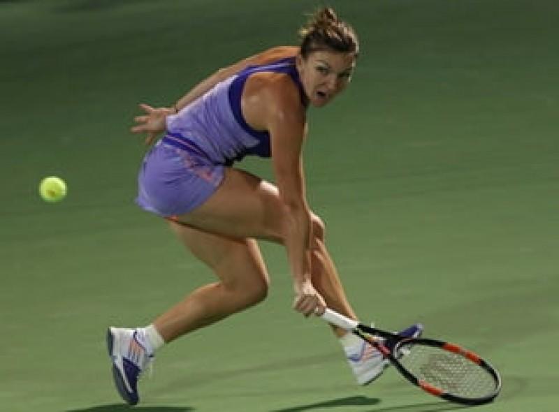 """VIDEO - După Doha, Simona Halep primește premiul """"lovitura turneului"""" și la Dubai"""