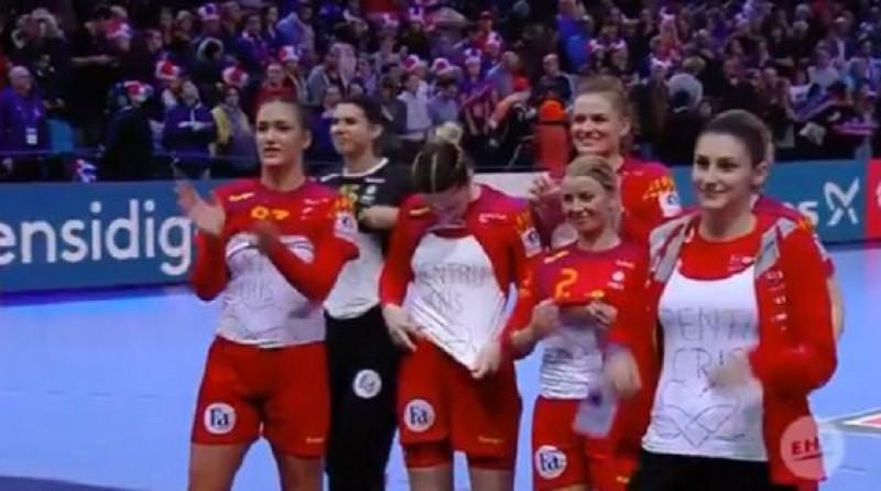 VIDEO Gest emoționant la sfârşitul meciului de handbal, pentru Cristina Neagu!