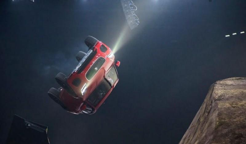 VIDEO Jaguar E-Pace intră în Cartea Recordurilor cu o răsucire spectaculoasă