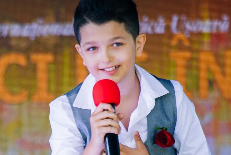 Video: O nouă voce de la Botoșani care încântă și entuziasmează - Eric-Alexandru Cracană