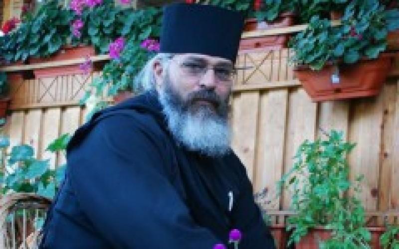 """VIDEO Părintele Calistrat: """"Toate bisericile noastre creştine sunt pline de Partidul Babelor Conservatoare"""""""