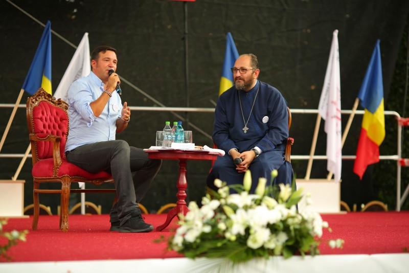 """VIDEO Pr. Constantin Necula, în fața a 5000 de tineri, la ITO 2017: """"Încurajați-vă părinții!"""""""