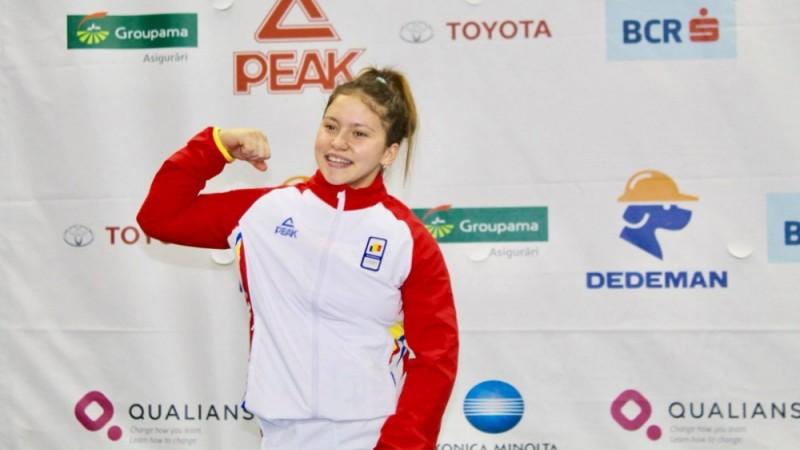 VIDEO - Sabina Baltag, din Botoșani, aduce aurul olimpic de tineret la haltere!
