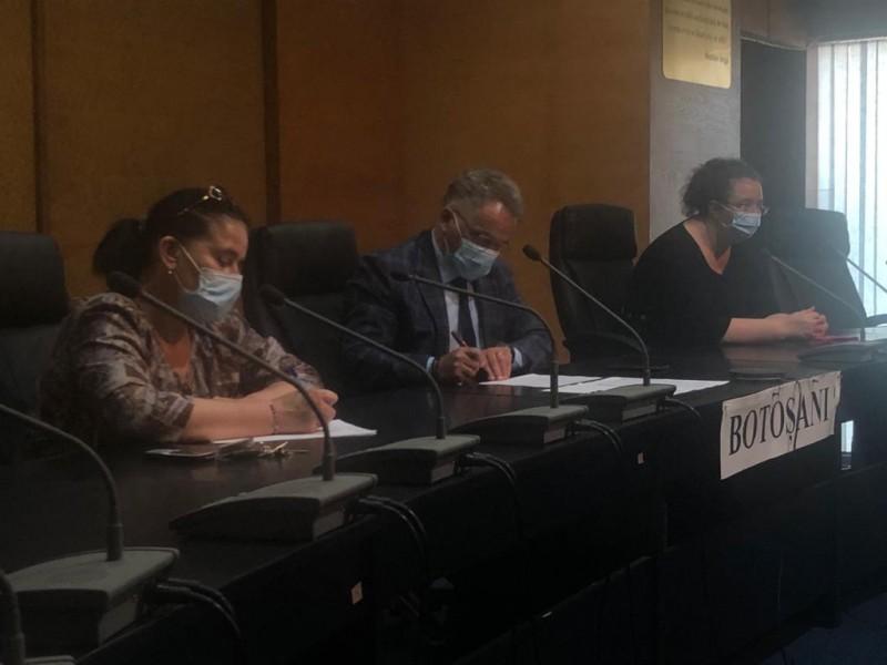 Videoconferință cu autoritățile centrale la Prefectură. Au fost evaluate pagubele produse de inundații în 20 de UAT