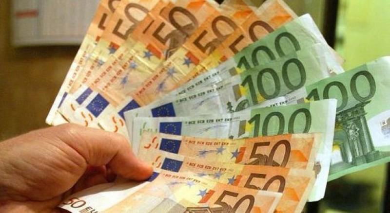 Vigilența paznicului și implicarea jandarmilor i-au adus înapoi banii furați!