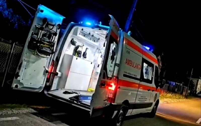 Violență extremă la Botoșani: Un bărbat a ajuns la spital în stare gravă după ce a fost bătut şi călcat în picioare de un consătean