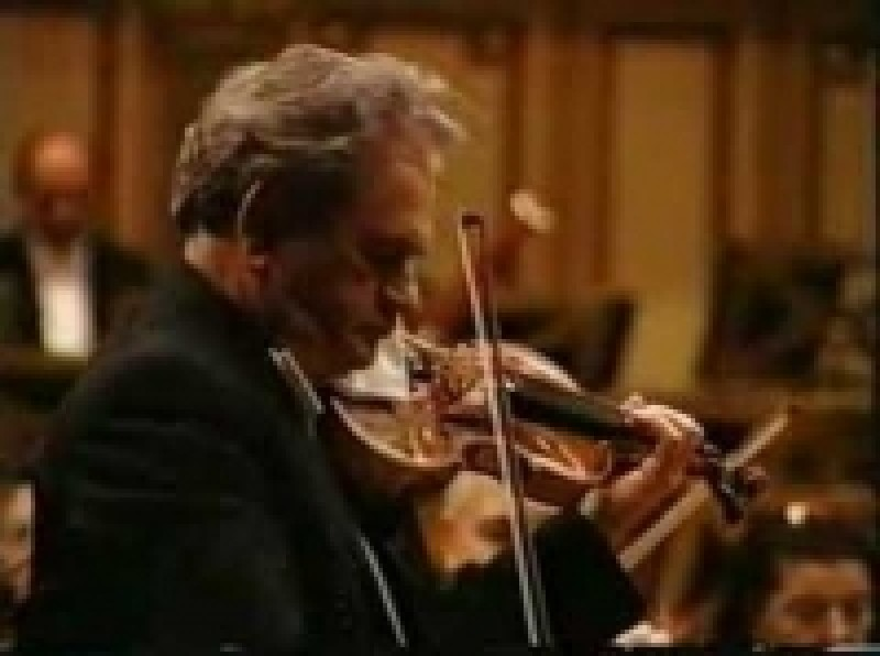Violonistul Daniel Podlovschi, pe scena Filarmonicii Botosani VIDEO