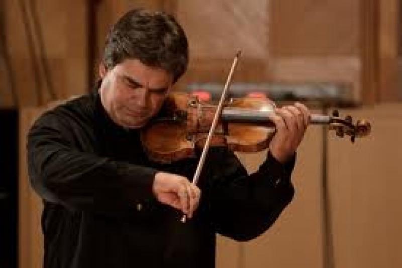 Violonistul Gabriel Croitoru va concerta, vineri, pe scena Filarmonicii Botosani