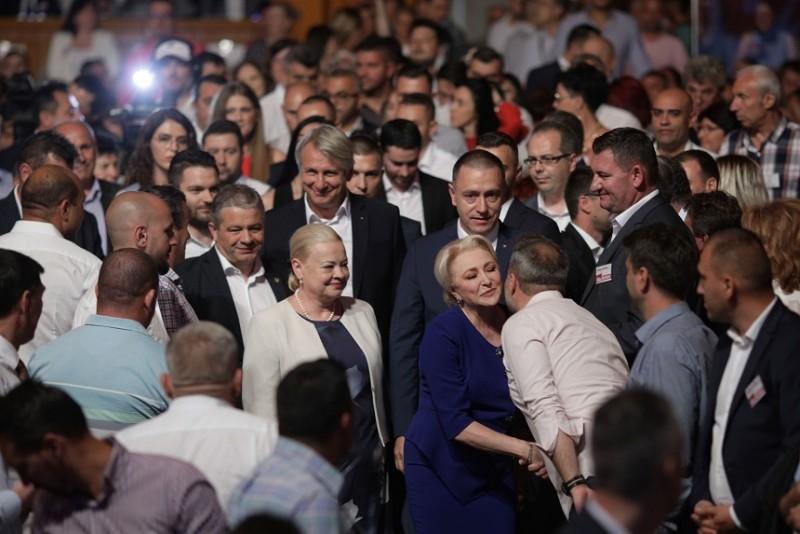Viorica Dăncilă a fost aleasă preşedinte al PSD cu 2828 de voturi, fiind urmată de Liviu Pleşoianu cu 715 voturi